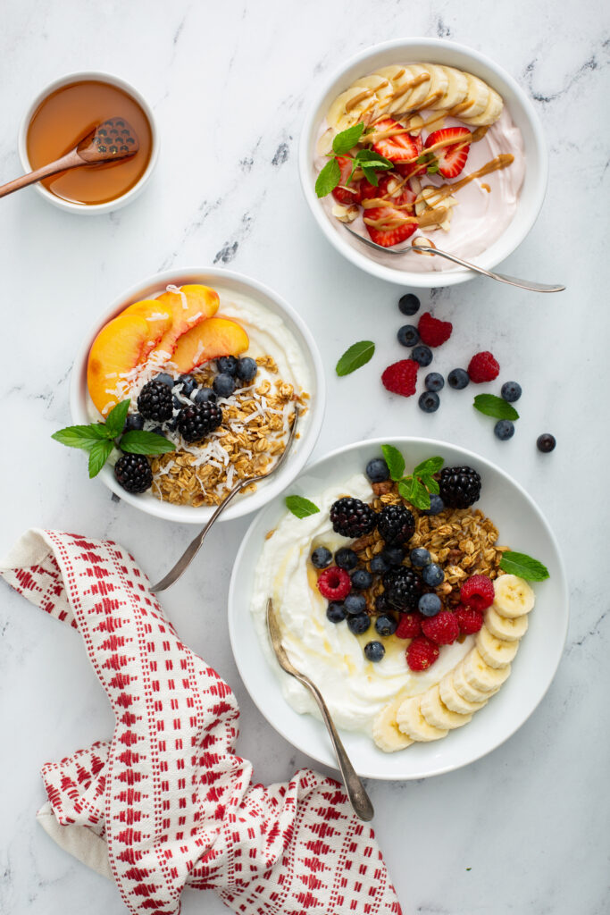 greek-yogurt-breakfast-ideas-for-weight-loss-granola-yogurt-bowl-yogurt-bowl-calories-acai-yogurt-bowl-what-to-mix-with-plain-yogurt-greek-yogurt-recipes-what-to-eat-with-yogurt-for-breakfast-breakfast-yogurt-and-granola-eating-with-erica-food-blogger-foodie-atlanta-ga-blogger-southern-blogger-etu-home-buckhead-etu-home-etú-HOME-store-erica-key